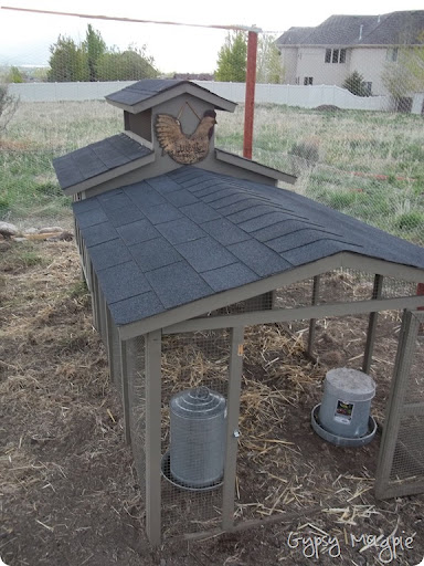 chicken coop {Gypsy Magpie}