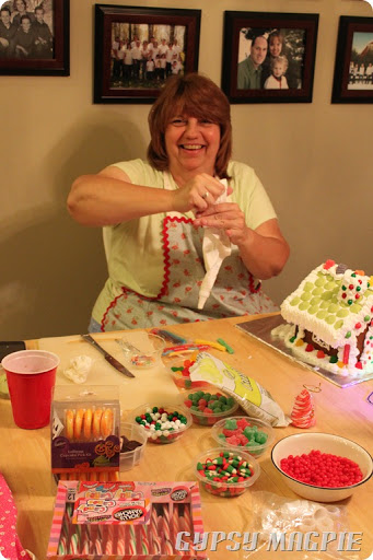 How to Make an Old Fashioned Gingerbread House {Gypsy Magpie}