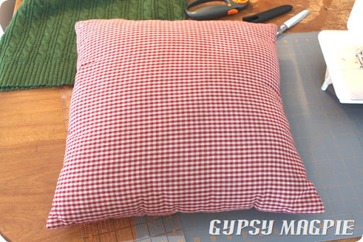 Sweater Pillow DIY {Gypsy Magpie}