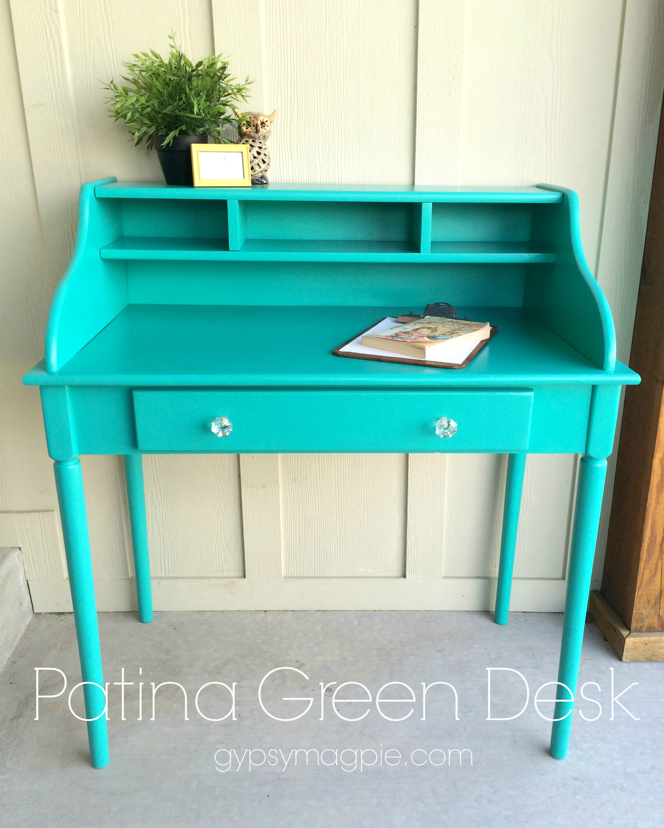 Patina Green Desk {Gypsy Magpie}