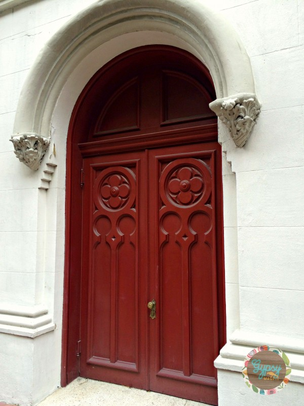 Red door on the Lutheran Church in Downtown Savannah, Favorite Things 2015 {Gypsy Magpie}