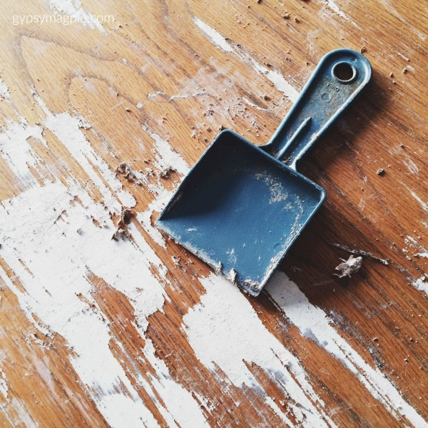 Here's a quick paint stripping tip to make DIY a little bit easier | Gypsy Magpie