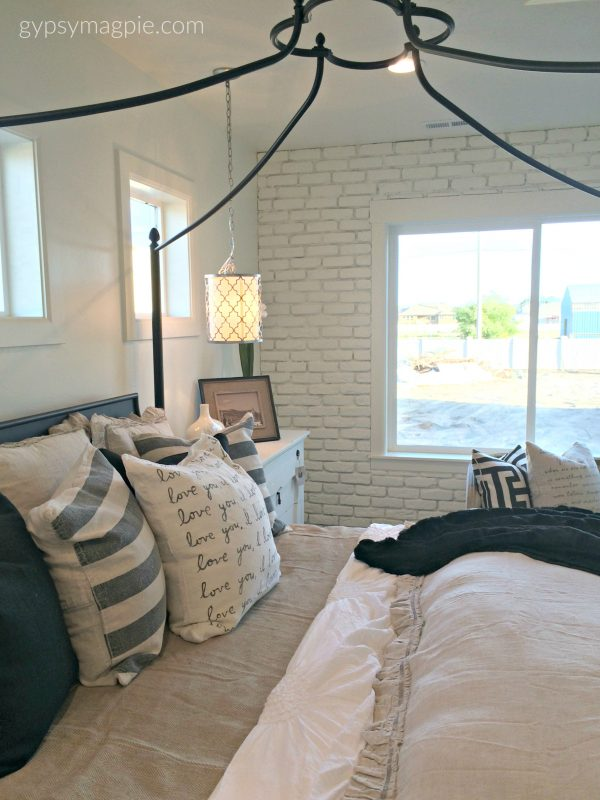 Check out this brick accent wall! So cool! | Gypsy Magpie
