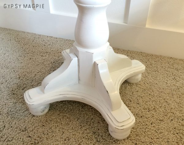 Annie Sloan Pure White and Clear Wax was used to create this pretty pedestal table base | Gypsy Magpie