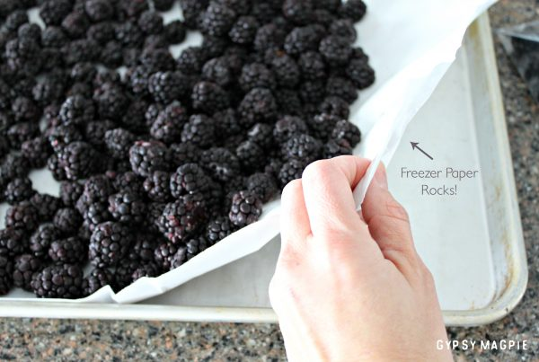 Freezer paper is the key to freezing berries with no mess! | Gypsy Magpie