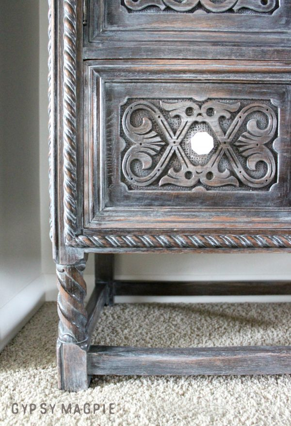 Look at the curvy legs on this antique cabinet! I'm in love! | Gypsy Magpie