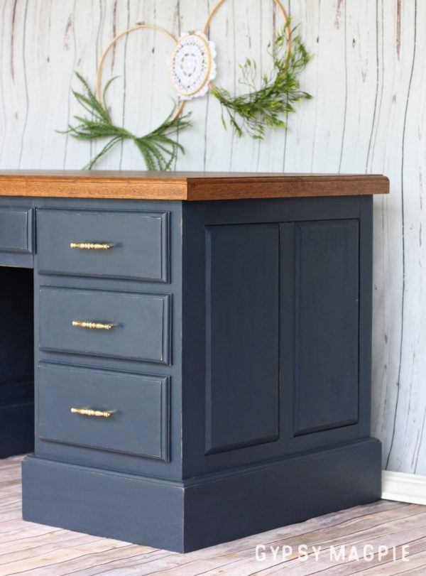 Shop class rocks! Can you believe this gorgeous desk was built by students? Love it! | Gypsy Magpie