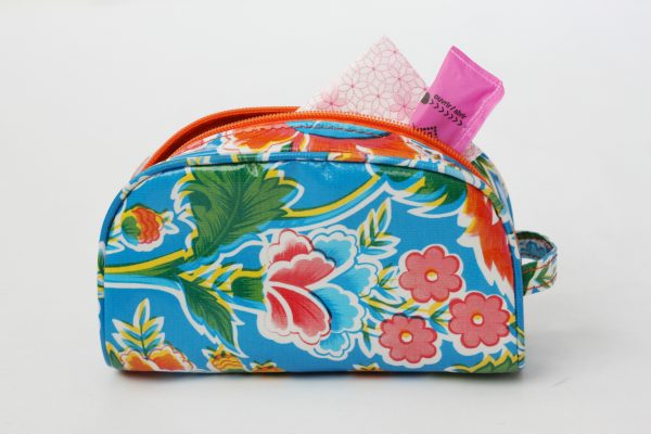 Have a tween or teen starting her monthly cycle? This little kit is the perfect gift to help her prepare. | Gypsy Magpie