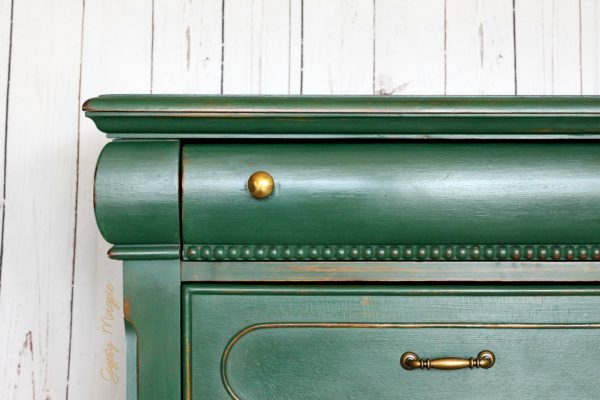 Amsterdam Green and brass pair so beautifully together | Gypsy Magpie