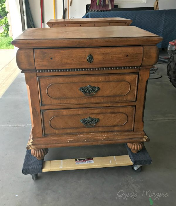 This chewed up nightstand is looking a whole lot happier these days! Stop by and see the after! | Gypsy Magpie