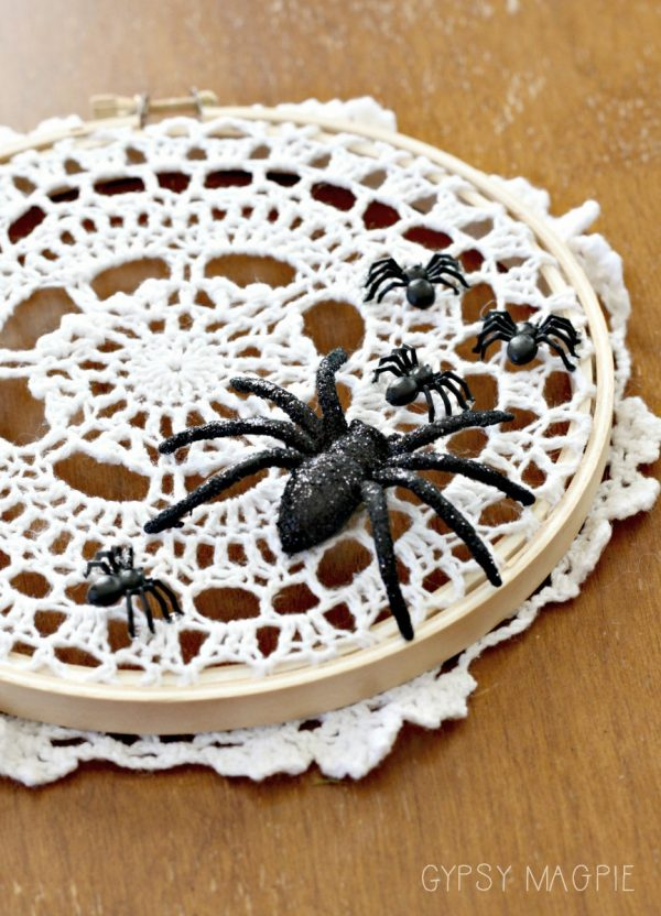 Darling farmhouse style spider web doily! So simple and perfect for Halloween! | Gypsy Magpie