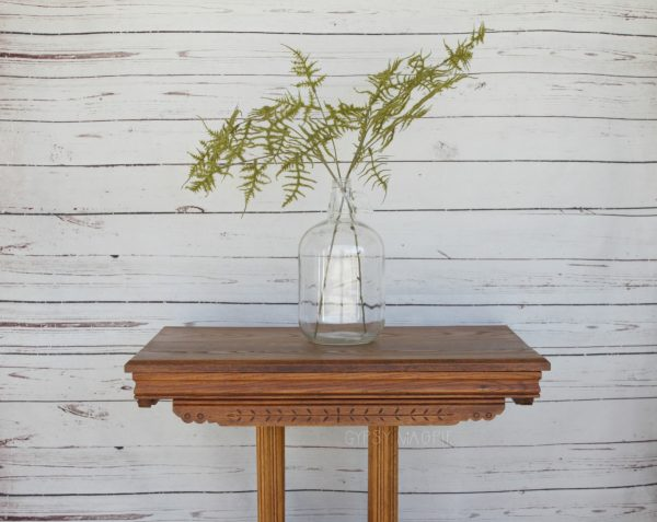 I love the vibe of this boho Eastlake table! | Gypsy Magpie