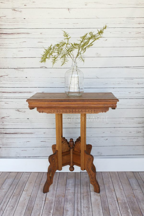 This Eastlake table has the coolest boho vibe that I am loving right now! | Gypsy Magpie