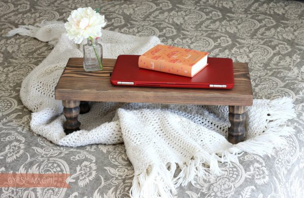 This DIY farmhouse bed tray is so simple to make but oh so cute! | Gypsy Magpie