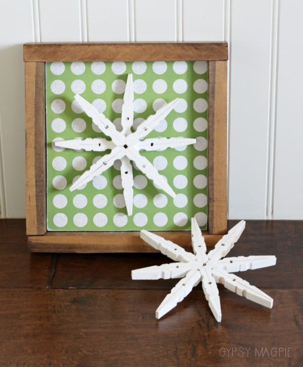 Glitter snowflake sign and ornament. Fun DIY Christmas gifts! | Gypsy Magpie