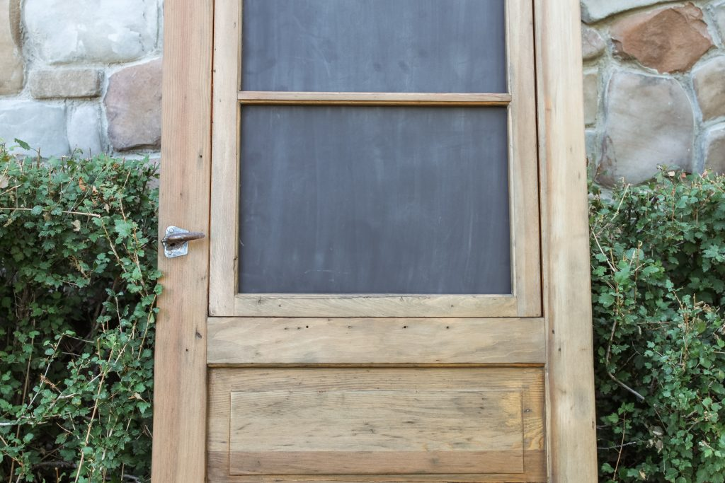 vintage screen door with chalkboard | gypsy magpie
