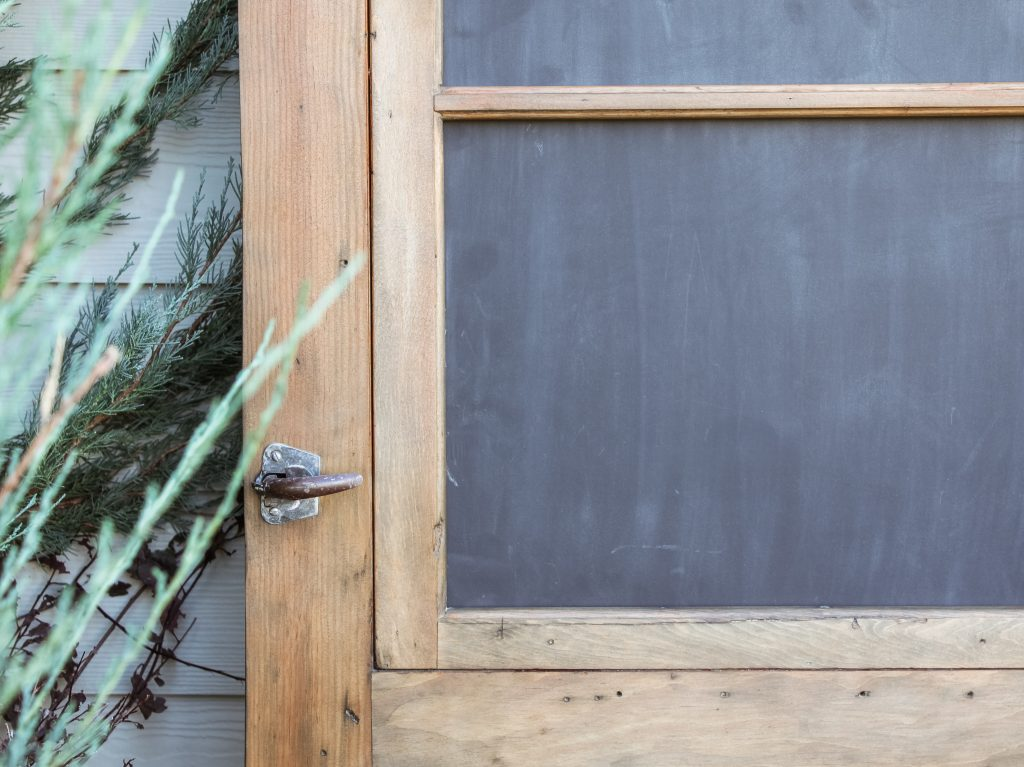 old screen door turned chalkboard | gypsy magpie