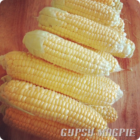 How to cut corn off the cob {Gypsy Magpie}