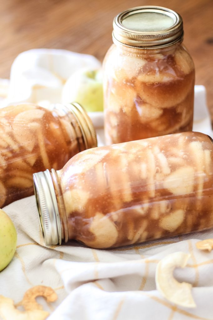 Yummy home bottled apple pie filling | gypsy magpie