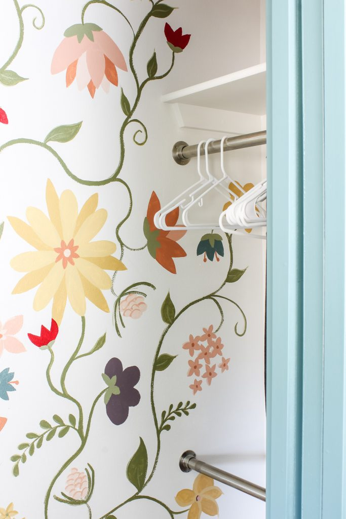 This floral mural adds so much whimsy to the room! | gypsy magpie