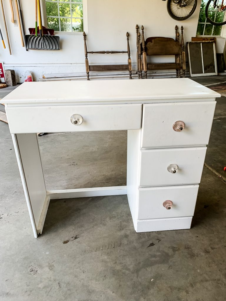 This little 80s desk was just begging for a bit of love | gypsy magpie